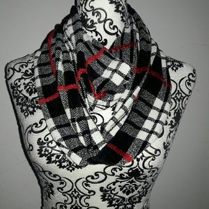 mm Accessories - Infinity  Scarf